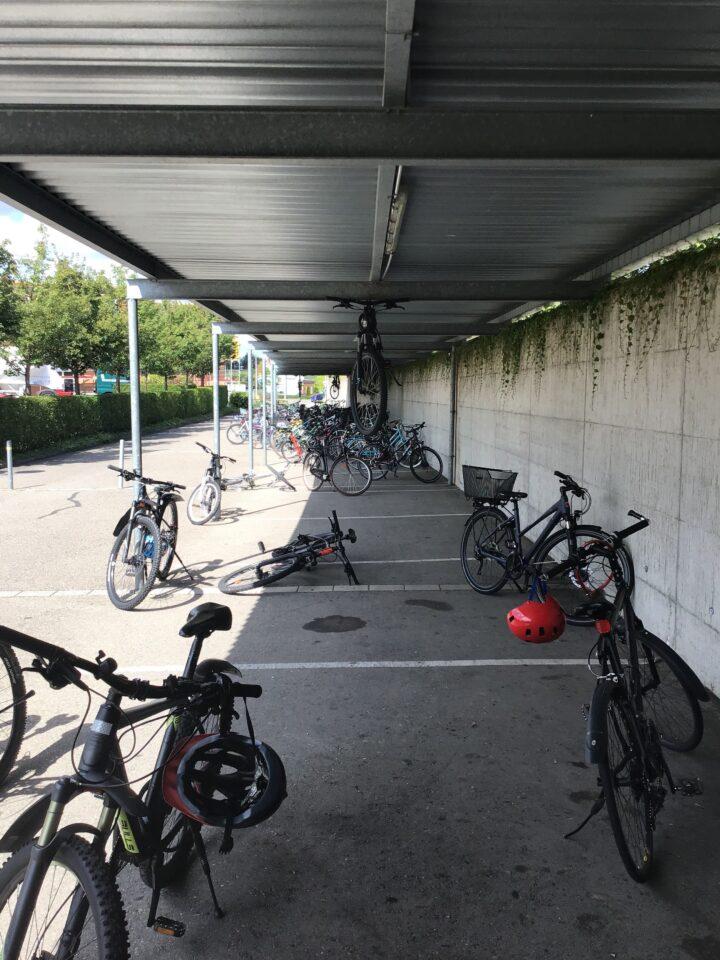 Image003. Ich muss immer lachen, wenn ich die fliegenden Fahrräder sehe.